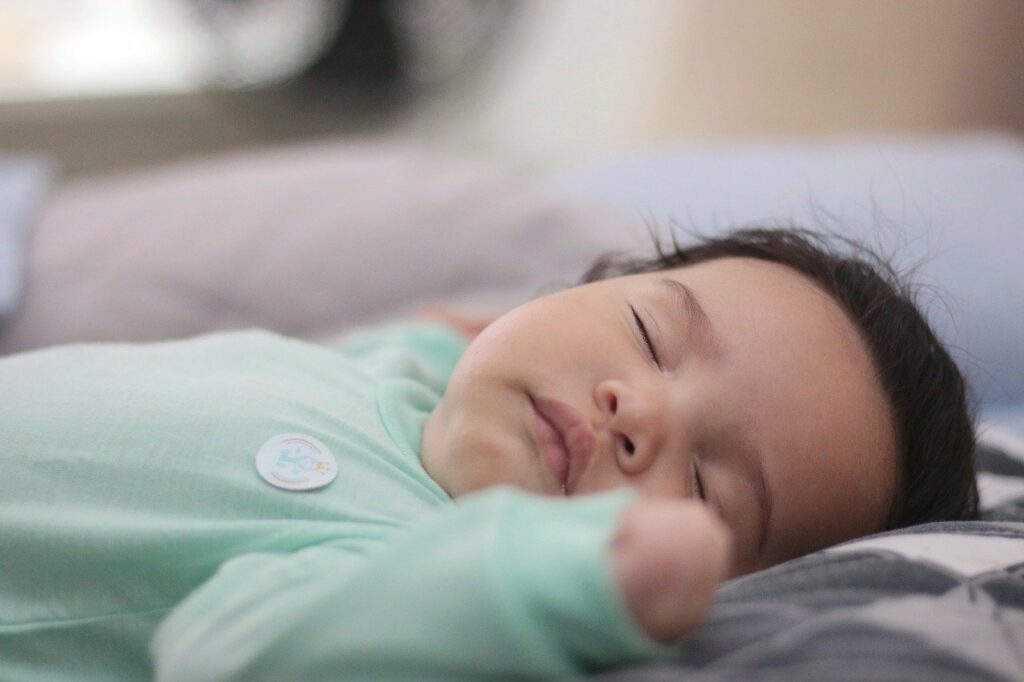 Quel Poids Pese Bebe De 1 Mois A 1 An